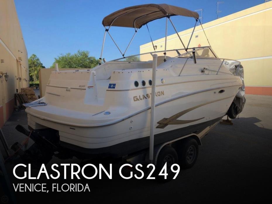 2001 Glastron GS249