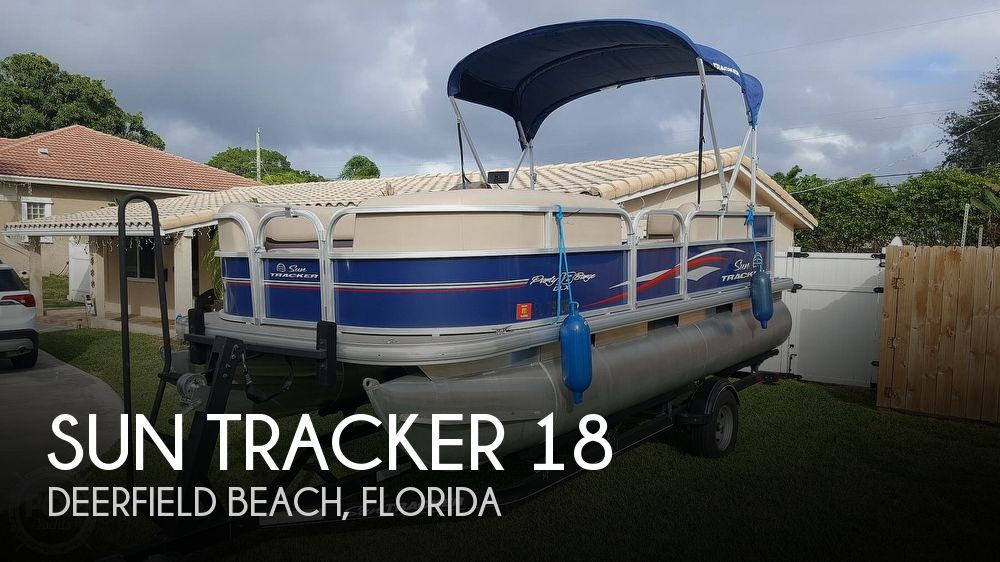 2017 Sun Tracker PARTY BARGE 18DLX