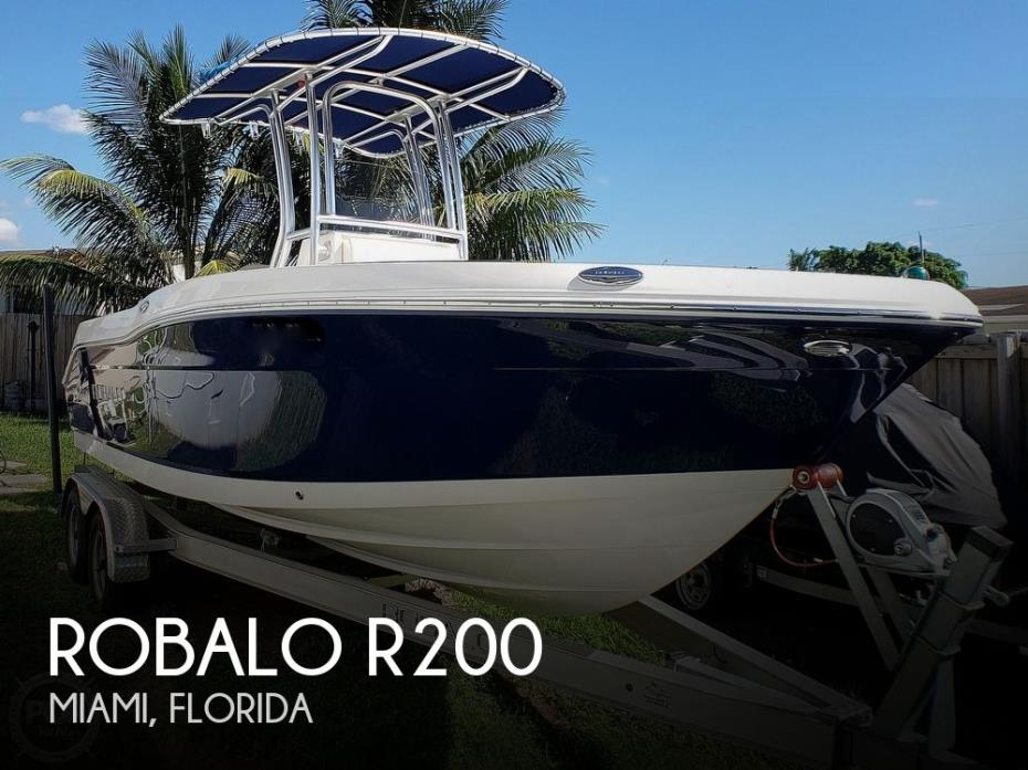 2017 Robalo R200