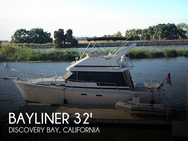 1986 Bayliner Double Cabin Motor Yacht Flybridge 3270