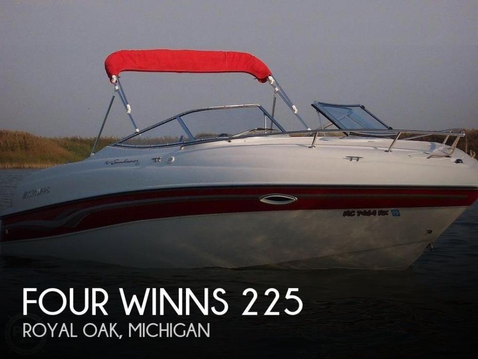 1999 Four Winns Sundowner 225