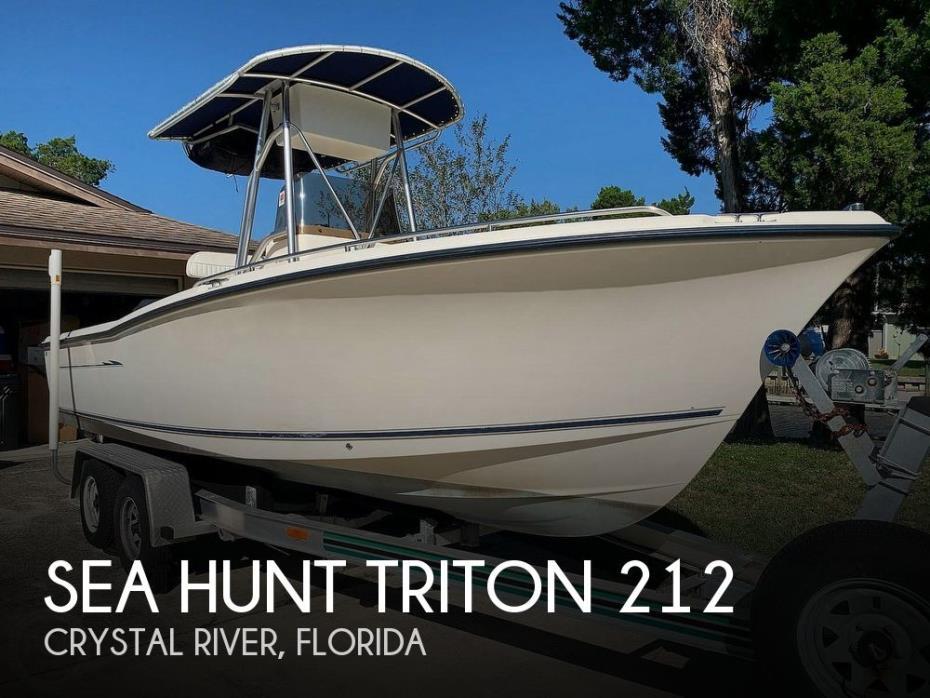 2003 Sea Hunt Triton 212
