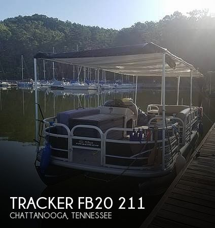 2017 Tracker 20 Fishin Barge 211