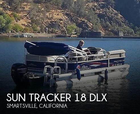 2016 Sun Tracker 18 DLX Party Barge