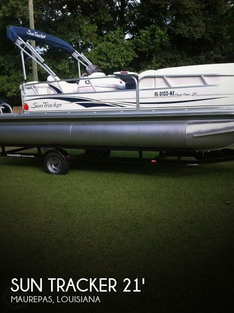 2009 Sun Tracker 21 Party Barge Signature Series