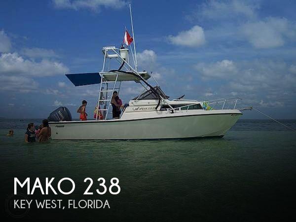 1985 Mako 238