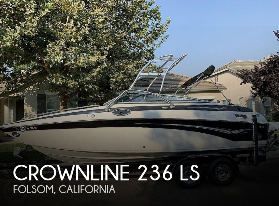2005 Crownline 236 LS