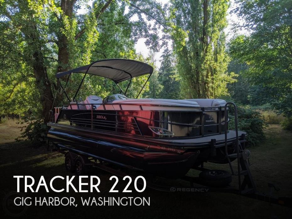 2017 Tracker Regency 220 LE3 Sport