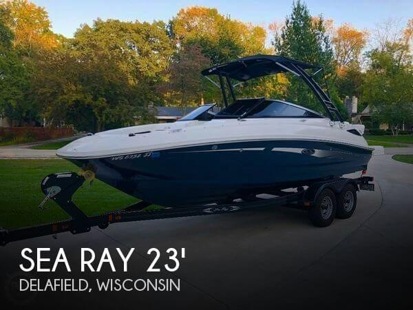 2015 Sea Ray 220 SD (Sundeck)