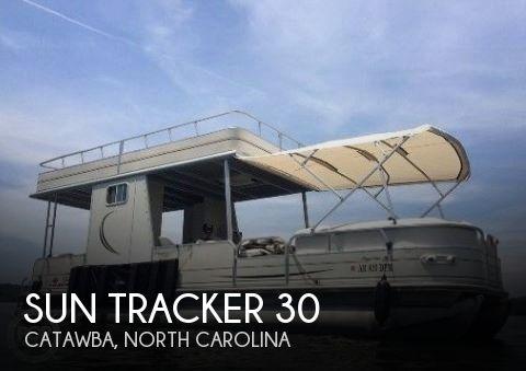 2007 Sun Tracker 30