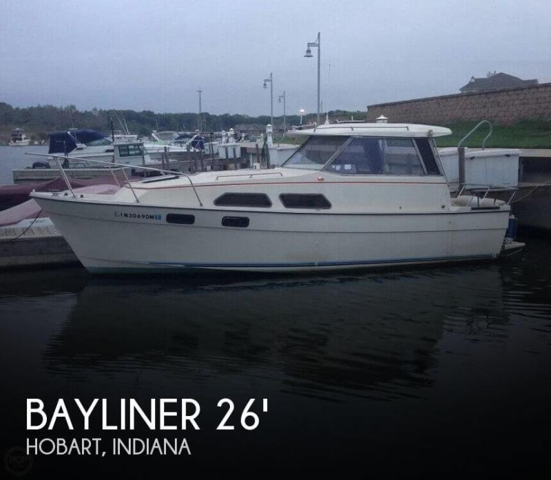 1981 Bayliner 2670 Explorer
