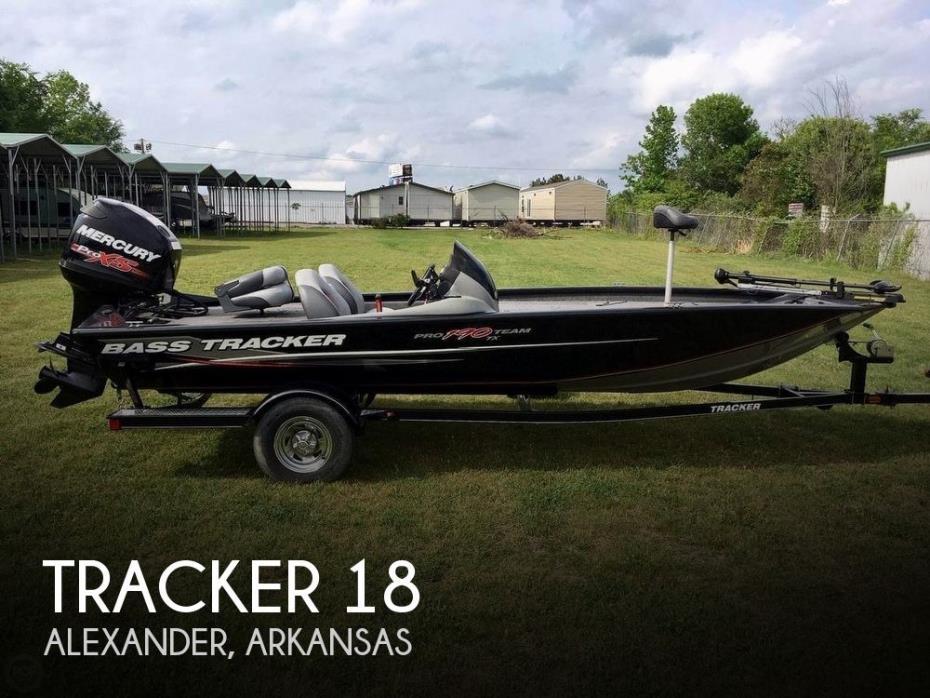 2015 Tracker 18
