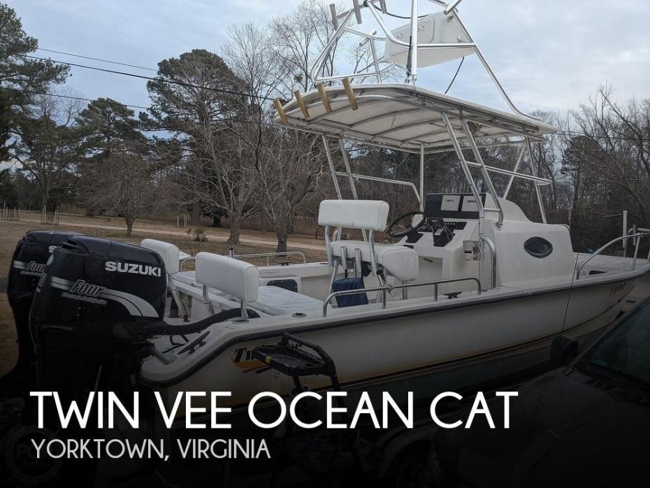 2001 Twin Vee Ocean Cat 22 Side Console