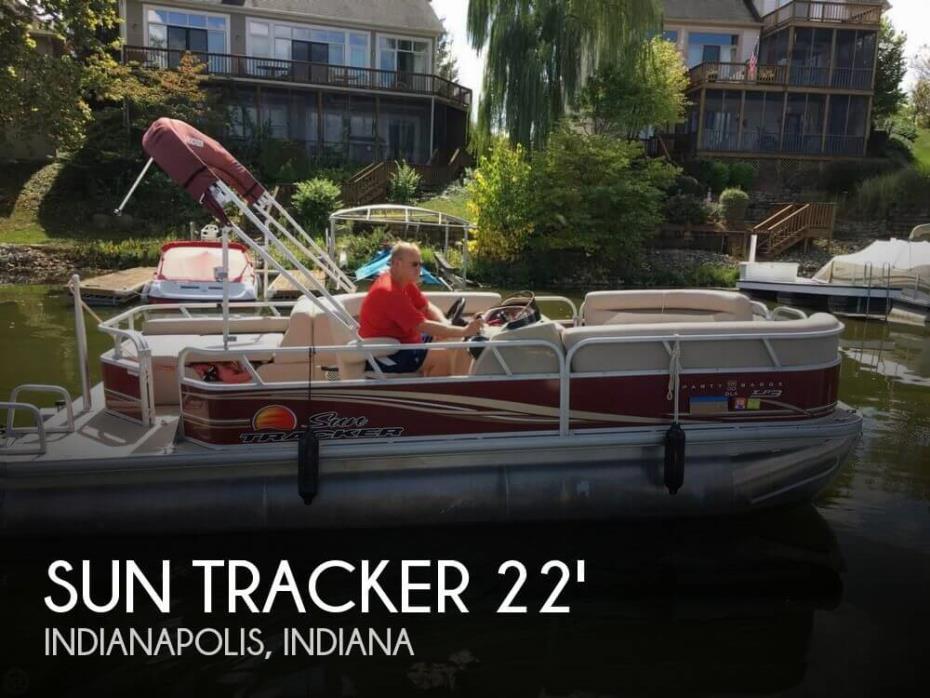 2014 Sun Tracker Regency 22 DLX XP3 Tritoon