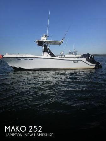 2000 Mako 252