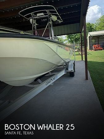 1983 Boston Whaler Outrage 25 Center Console Fishing