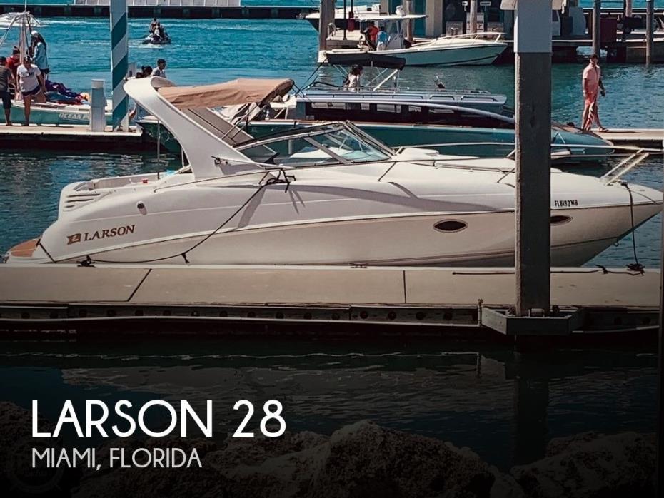 2002 Larson 274 Mid Cabin