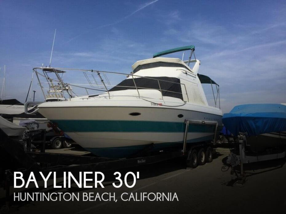 1993 Bayliner 3058 Ciera Command Bridge