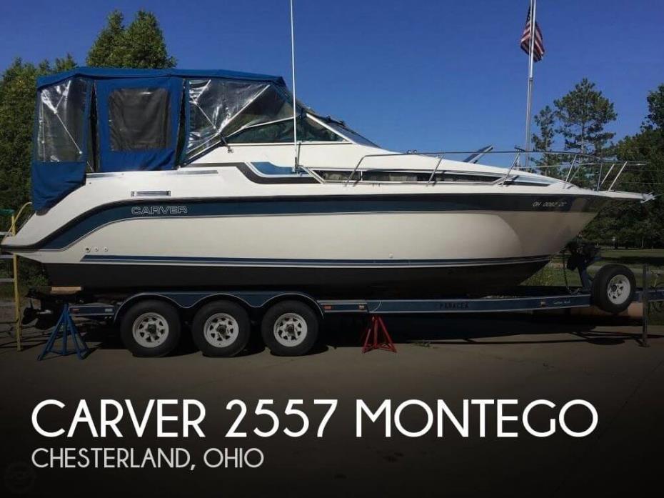 1989 Carver 2557 Montego