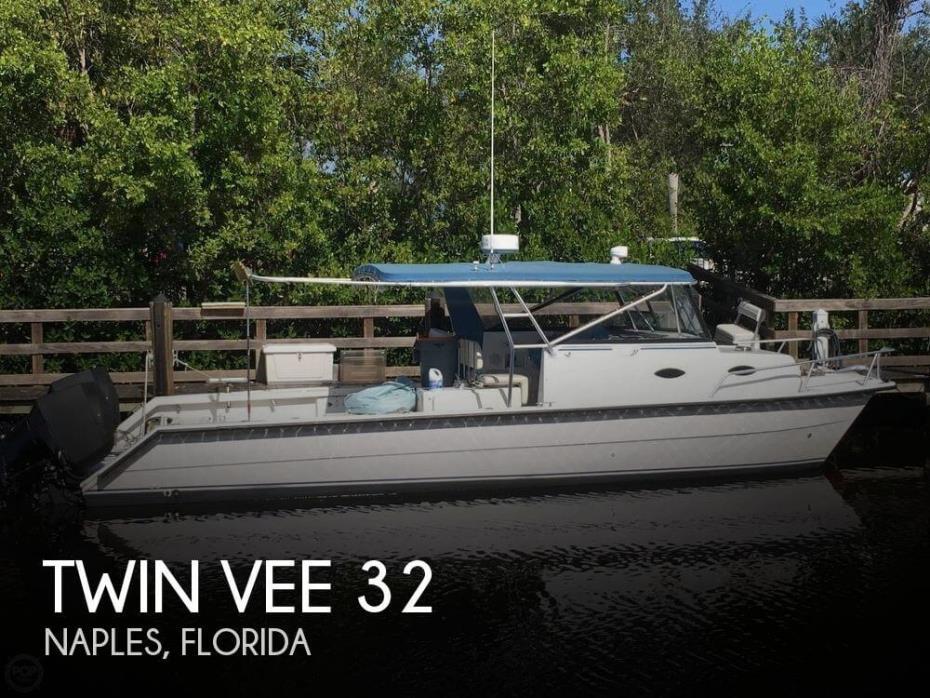 2006 Twin Vee 32 Weekender
