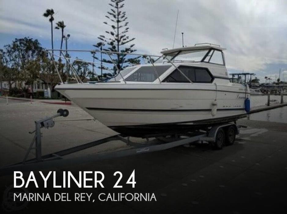 1998 Bayliner 24