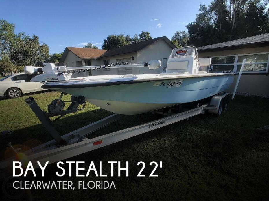 2004 Bay Stealth 2180 Center Console