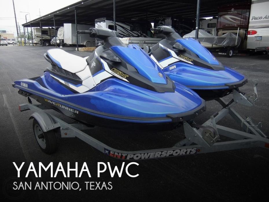 2017 Yamaha EX Deluxe Waverunners (pair)