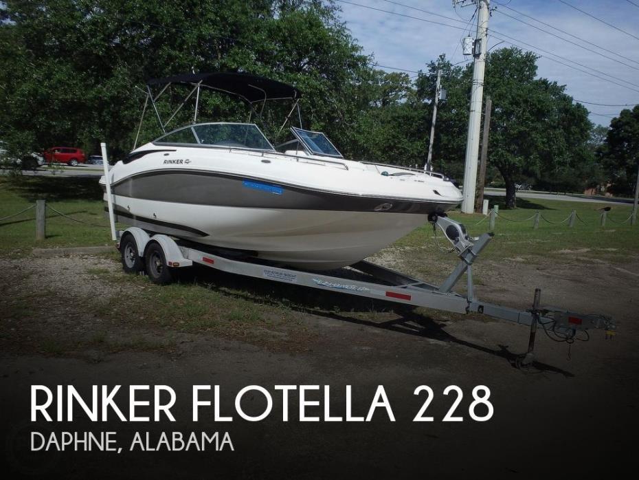 2011 Rinker Flotella 228