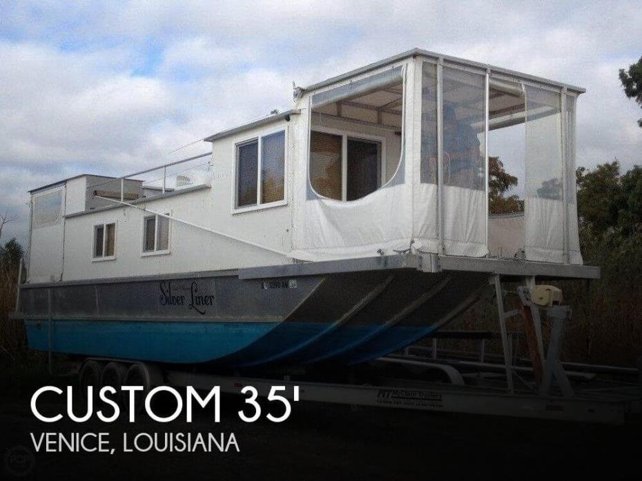 2009 Custom 35 Diesel Houseboat