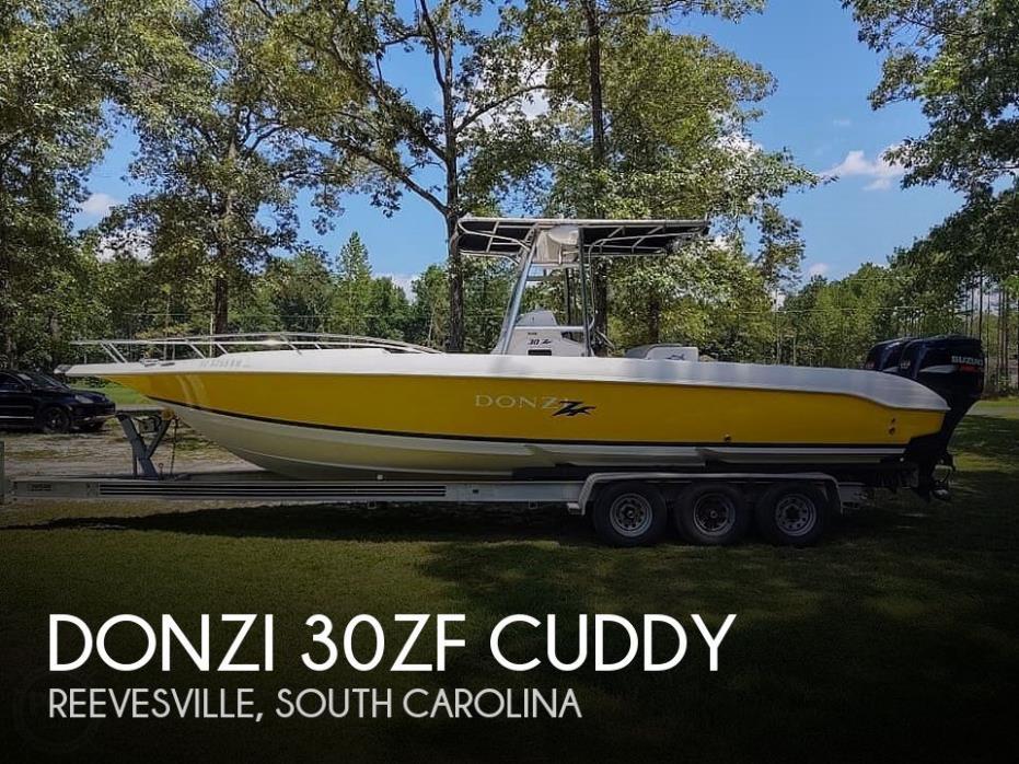 2000 Donzi 30 ZF Cuddy