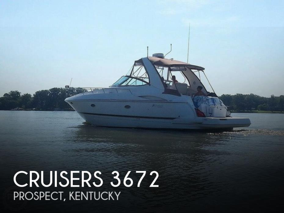 2001 Cruisers Yachts 3672