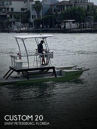 2018 Catamaran Coaches 20 Full Custom