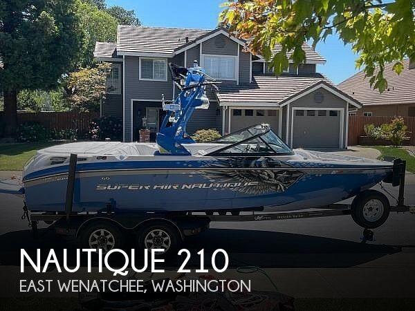 2011 Nautique Super Air 210 Team Edition