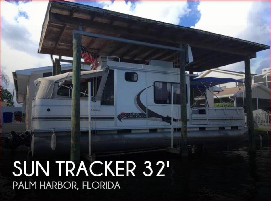 2004 Sun Tracker 32 Party Cruiser Regency Edition