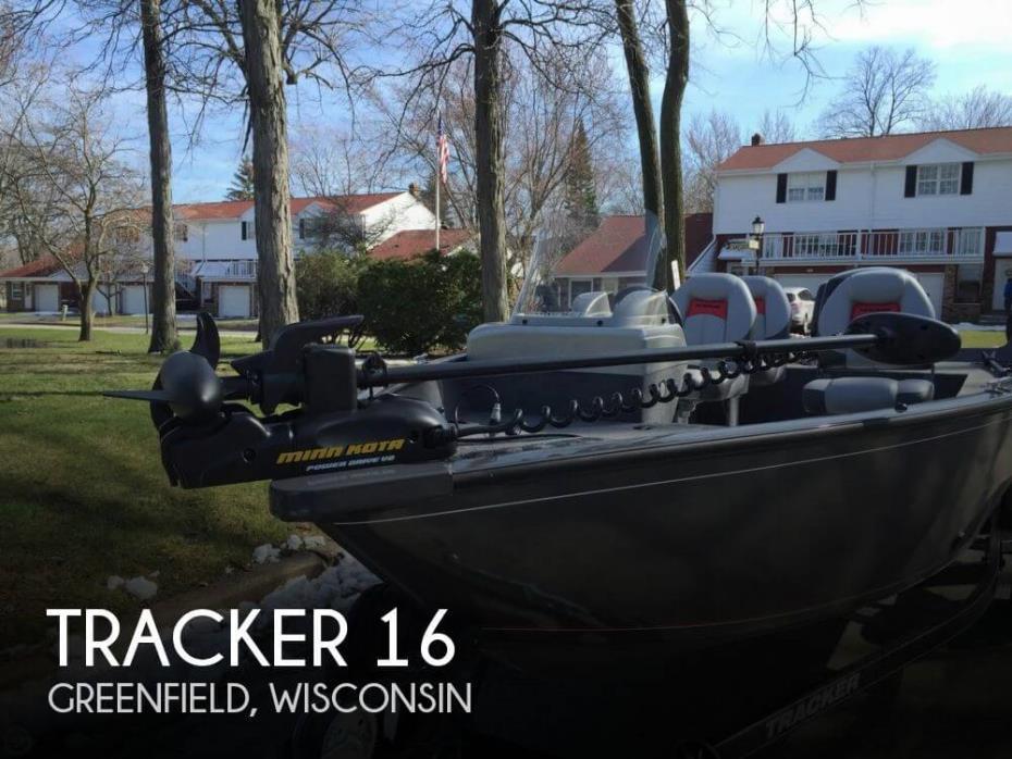 2016 Tracker 16