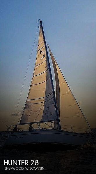 1990 Hunter 28
