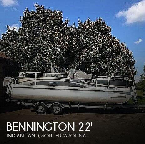 2013 Bennington 22SFF Stern Fishing