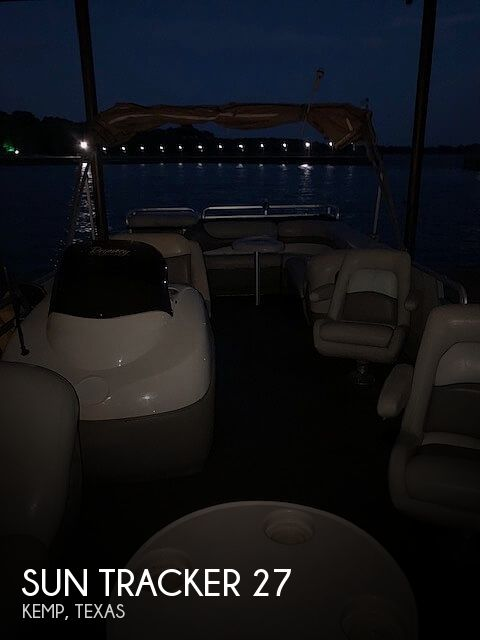 2001 Sun Tracker 27 Party Barge