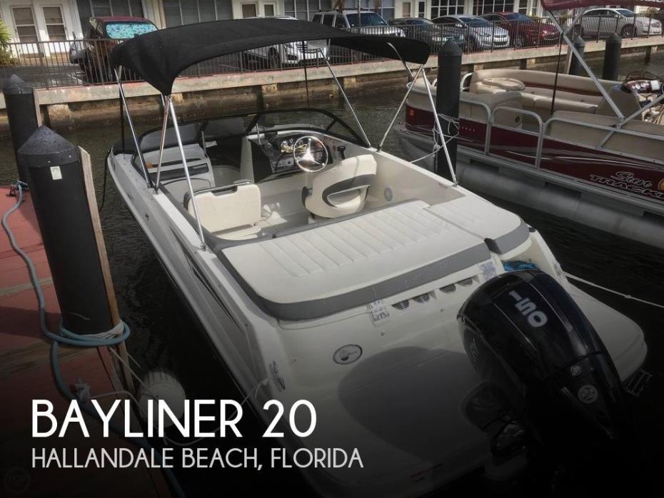 2018 Bayliner VR5 Deckboat