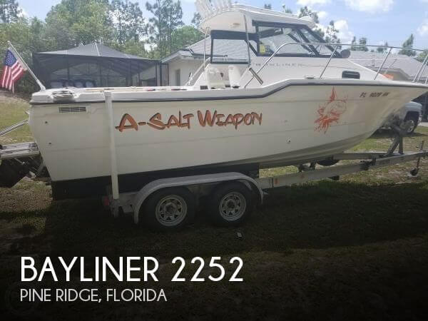 1994 Bayliner 2252