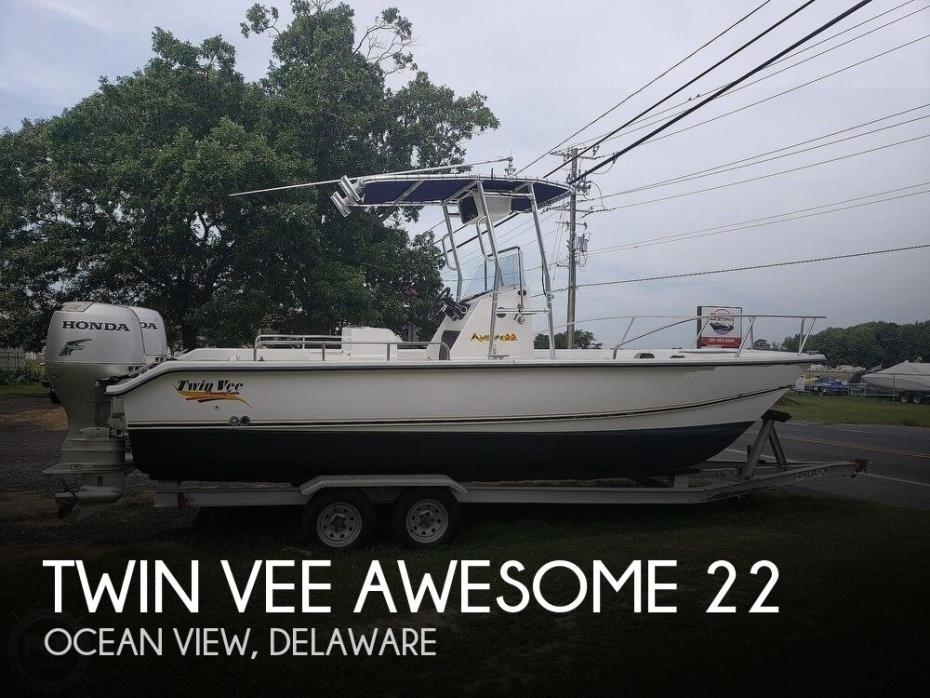 2002 Twin Vee Awesome 22