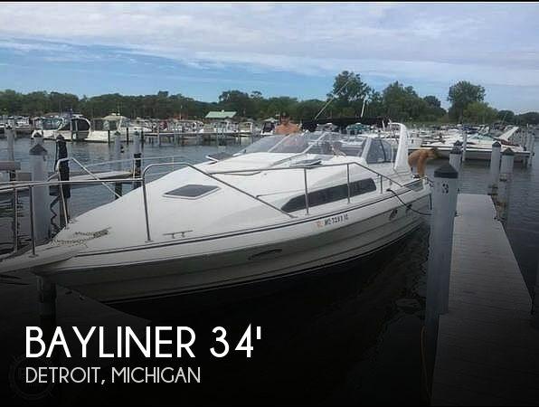 1993 Bayliner 3555 Avanti