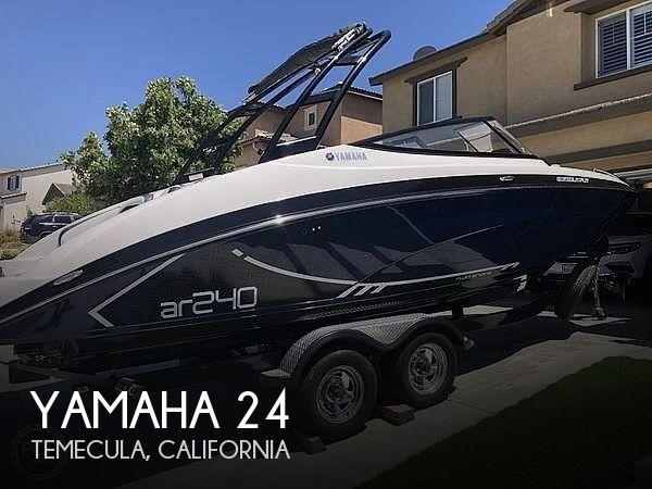 2016 Yamaha AR240