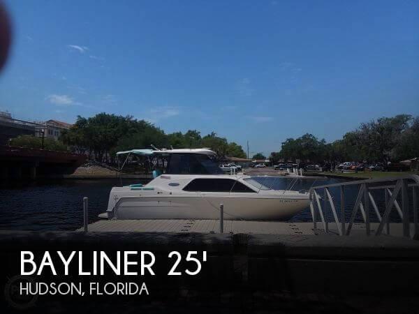 2001 Bayliner 2452 Ciera Express