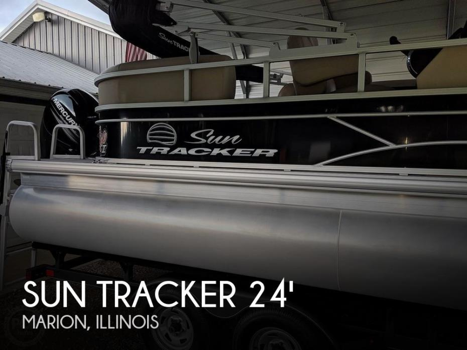 2017 Sun Tracker Party Barge 22