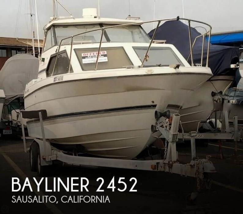 1998 Bayliner 2452