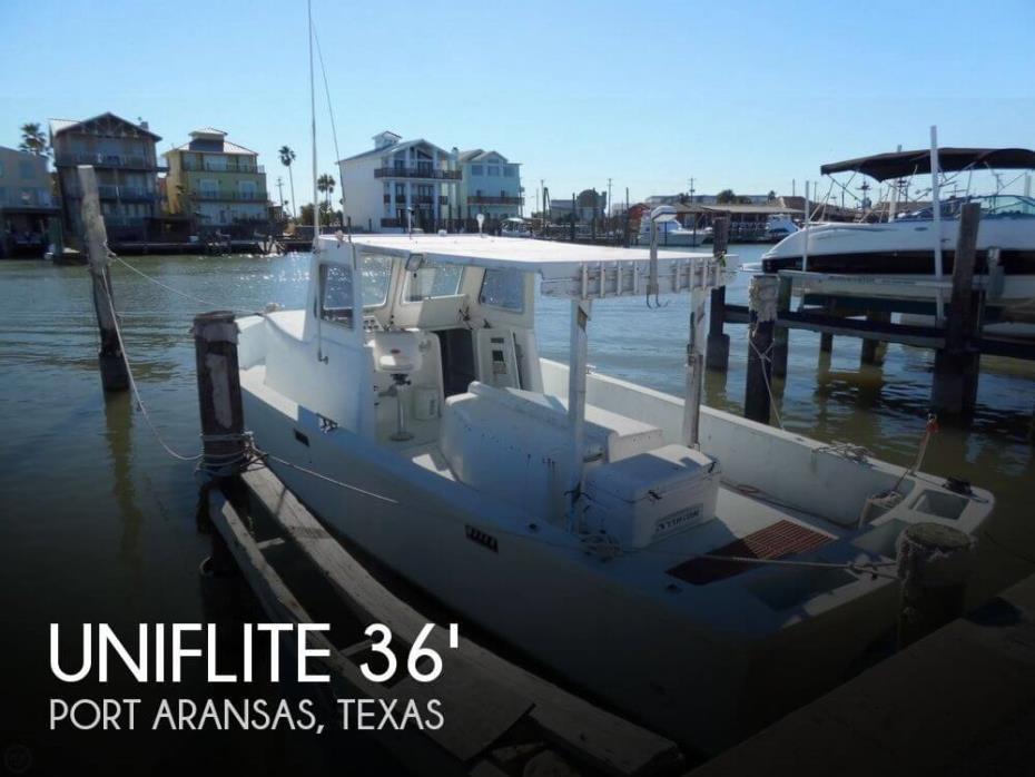 1982 Uniflite Navy 36 Utility