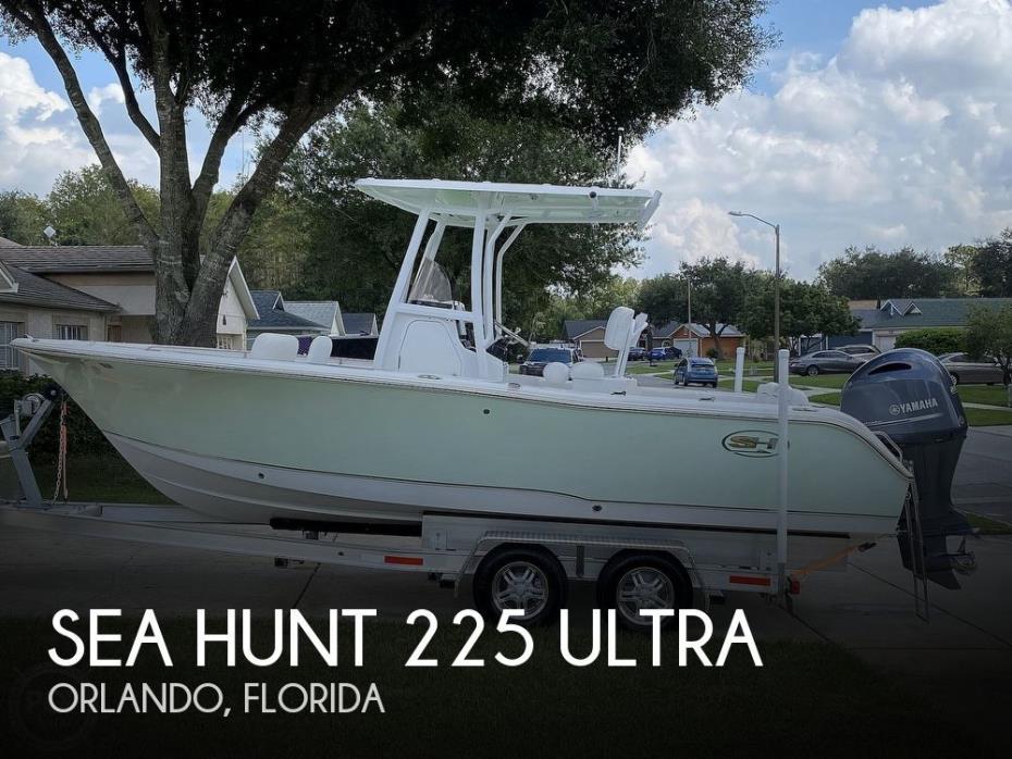 2018 Sea Hunt 225 Ultra