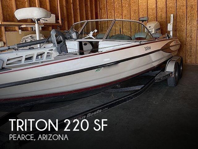 2009 Triton 220 SF