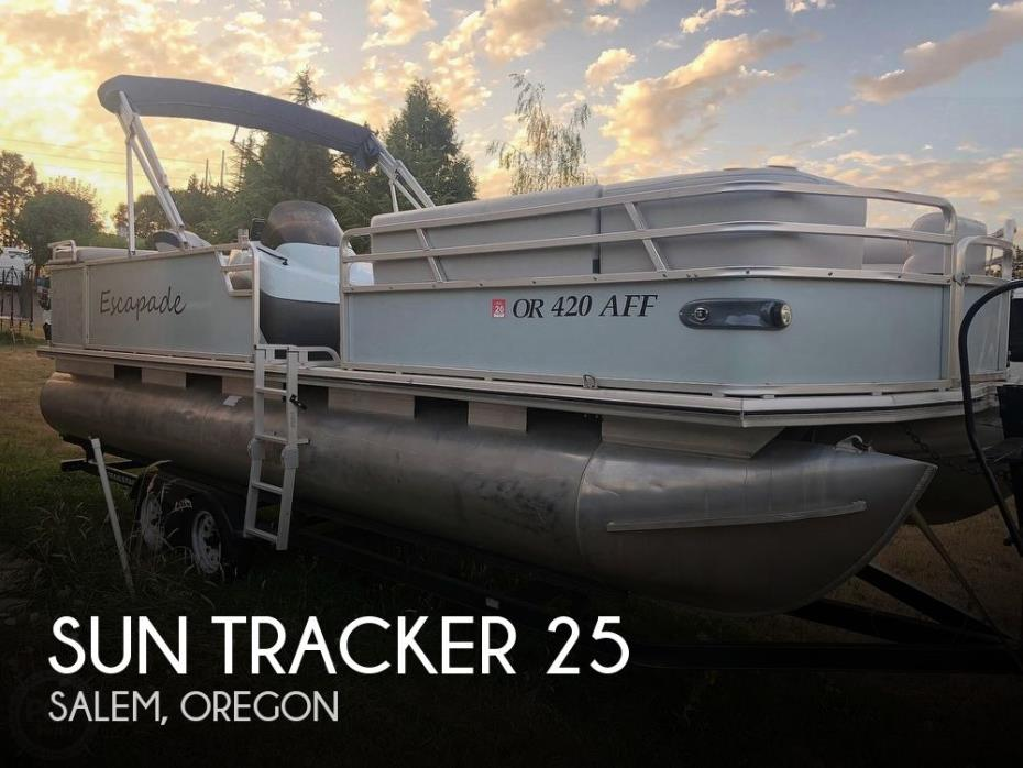 2001 Sun Tracker Party Barge 25